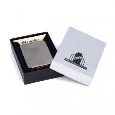Зажигалка ZIPPO 1941 Replica ™ с покрытием Black Ice ®, латунь/сталь, чёрная, глянцевая, 36x12x56 мм 24096