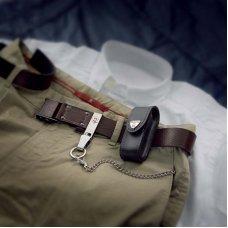 Чехол на ремень VICTORINOX для ножей 91 мм толщиной 5-8 уровней, кожаный, чёрный 4.0521.3